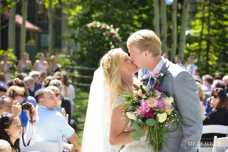 Silver Fork Lodge Wedding Photographer Dezember Photography
